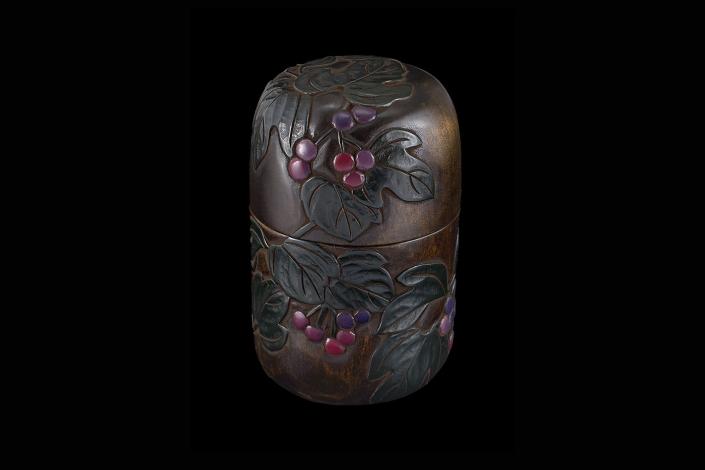 川添日記 草木彫の茶筒